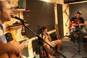 עומרי נובל ולהקתו באולפן שלי